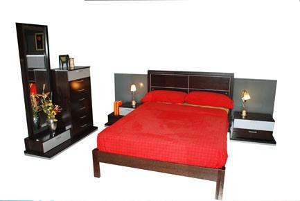 Dormitorio oferta 292cm con sinfonier y espejo 127 cm.