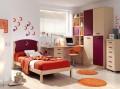 Dormitorio juvenil con cama individual.